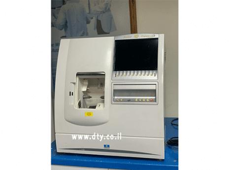 מכונת חיתוך עדשות Kappa CTD של חברת Essilor